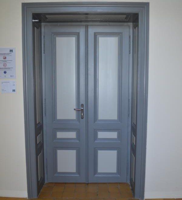 HTL-Mödling; Zweiflügelige Tür mit Füllungen; Sondertühre; Funktionstüre