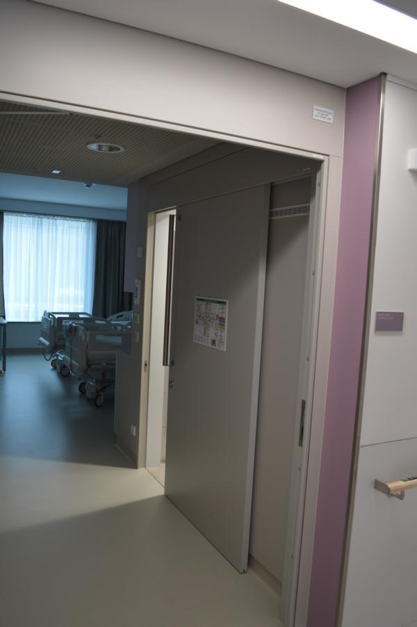 Kaiser-Franz-Josef-Spital; Schiebetuere