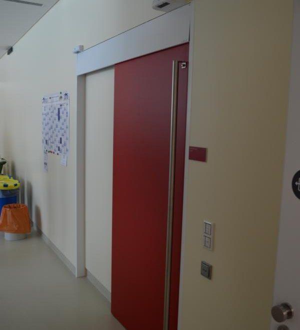Kaiser-Franz-Josef-Spital; Schiebetuer