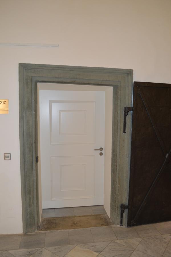 Landhaus Klagenfurt; Brandschutztuer; Tür mit Füllung