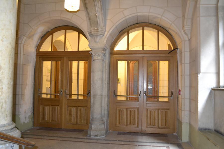Wiener Rathaus; Denkmalschutz; Paniktüre