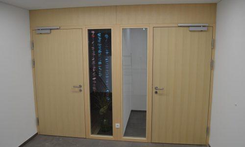 Einflügelige Tür mit Verglasung; Schallschützend